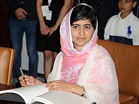 パキスタンの人権運動家マララ・ユスフザイさん「不都合な真実」