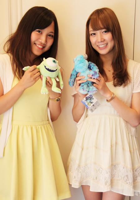 「モンスターズ・ユニバーシティ」の魅力を 熱く語った板橋美奈さん(右)と加古愛莉さん
