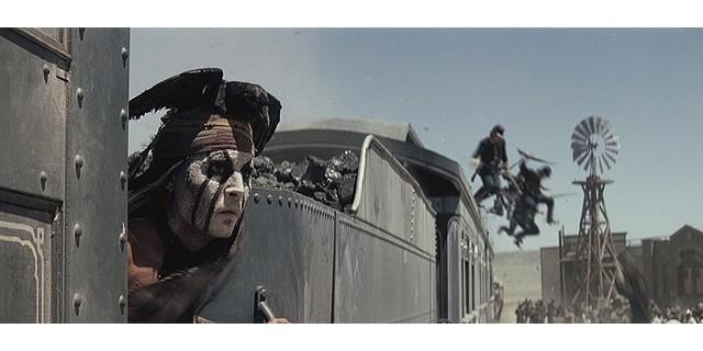 ジョニー・デップが機関車の屋根で踊る?「ローン・レンジャー」本編映像公開