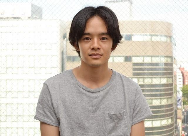 池松壮亮、吉田大八監督と挑む舞台「ぬるい毒」に決意新た「堂々と殴り込みたい」