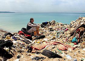 「TRASHED ゴミ地球の代償」の一場面「TRASHED ゴミ地球の代償」