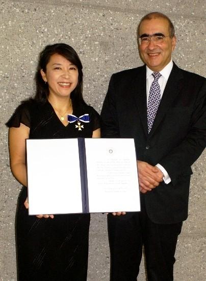 小野リサ、ブラジル最高勲章を受章「亡き父に捧げる」
