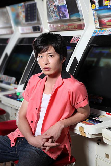 ゲームとともに人生を歩む主人公に扮した田中圭