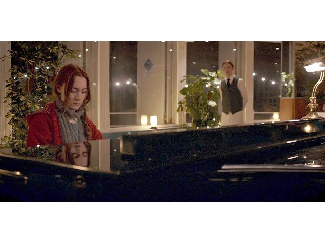 「ビザンチウム」本編映像でシアーシャ・ローナンが奏でるピアノに陶酔