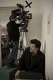 「割れたガラス」撮影中のビクトル・エリセ監督「ポルトガル、ここに誕生す ギマランイス歴史地区」