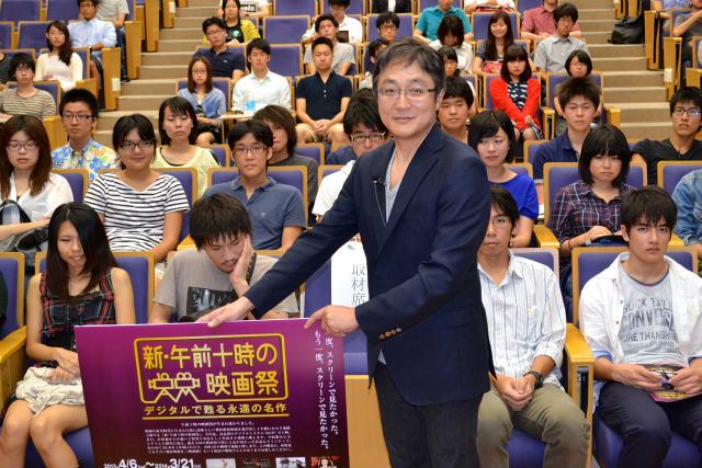 母校の早大で特別講義を 行った町山智浩氏