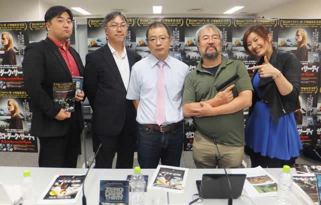 (左から)ジャンクハンター吉田(MC)、 山本氏、大久保氏、青井氏、行成とあ(MC)