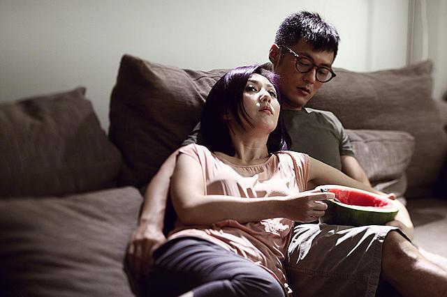 大陸に渡って成功した映画人、香港にとどまって意地を見せる映画人