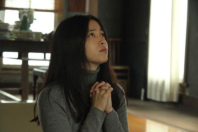 岩佐真悠子が全裸で走る「受難」予告編公開!股間から聞こえる声に身もだえる姿も