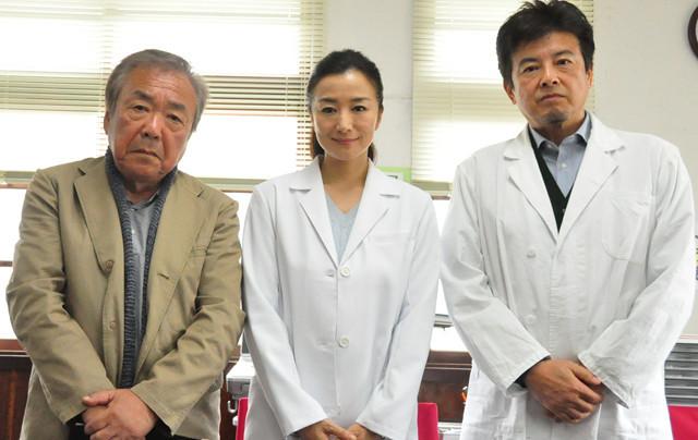 宮城出身の鈴木京香、被災地の現役女医役を演じ切り笑顔でクランクアップ