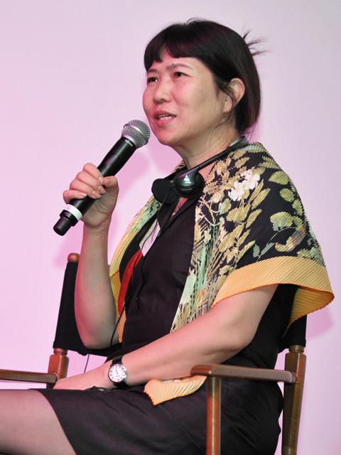 ロサンゼルスでスピーチしたZhang Xun社長