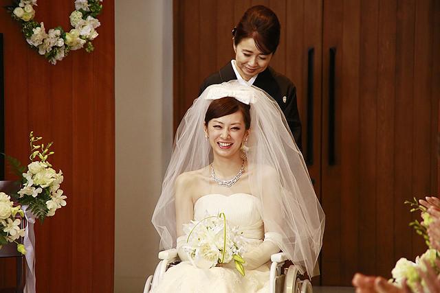 安室奈美恵、北川景子&錦戸亮主演「抱きしめたい」主題歌に新曲提供