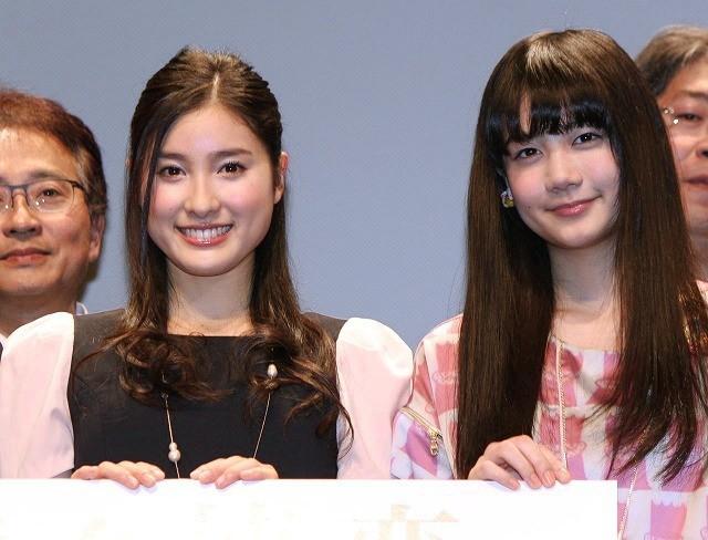 「HK 変態仮面」で注目の清水富美加、共演した同い年・土屋太鳳は「日本で一番いい子」
