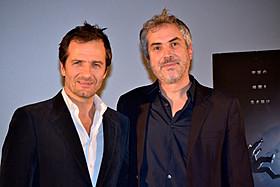 (左から)プロデューサーのハイマンとキュアロン監督「ゼロ・グラビティ」