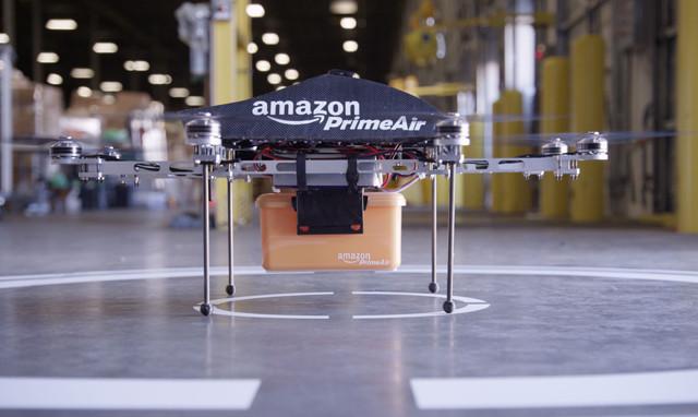 米アマゾン、無人の小型飛行機による配達計画を発表