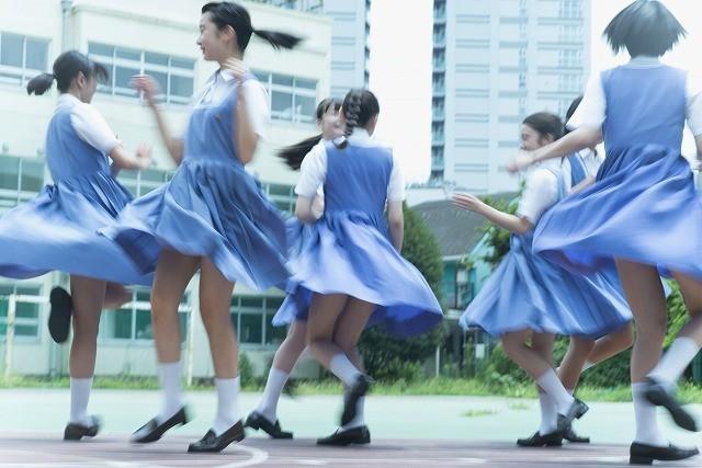第7回東宝シンデレラ受賞者8人、最初で最後の写真集発売!