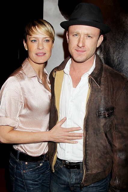 ショーン・ペン元妻ロビン・ライトが、14歳下のベン・フォスターと婚約