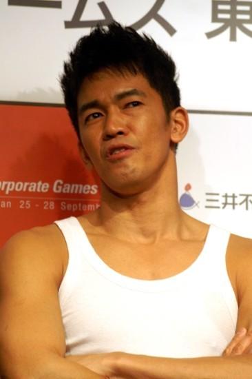 武井壮、白タンクトップは「12着持っていて1着5000円」