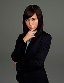 「エイトレンジャー2」でヒロインの 女性記者を演じる前田敦子「エイトレンジャー」
