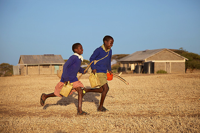 命がけで学校に通う子どもたちに迫る「世界の果ての通学路」予告編公開