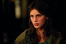 モデル出身、23歳の新鋭マリーヌ・バクト「17歳」
