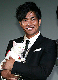 幕末の剣士と猫の触れ合いを描いた時代劇コメディ「猫侍」