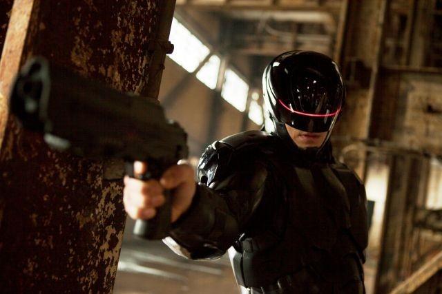 「ロボコップ」話題の黒スーツに迫った特別映像を独占入手!