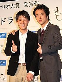 社会派ドラマでタッグを組む 桐谷健太(右)と吉田康弘監督「ゲロッパ!」