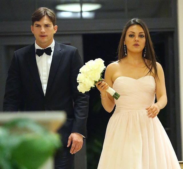 ミラ・クニス、婚約者アシュトン・カッチャーの子どもを妊娠