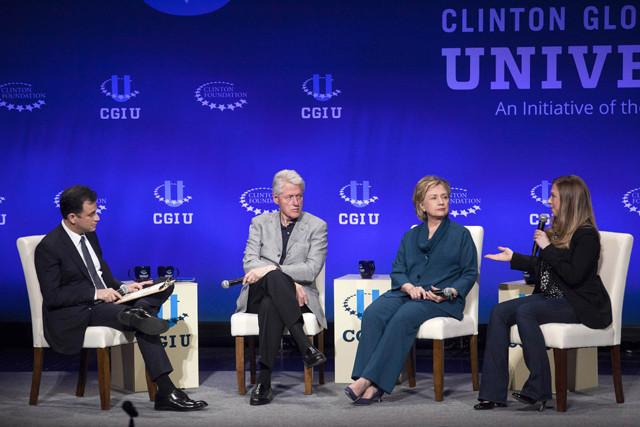 """ジミー・キンメルがエレン・デジェネレスに対抗、クリントン家との""""自撮り""""をアップ"""