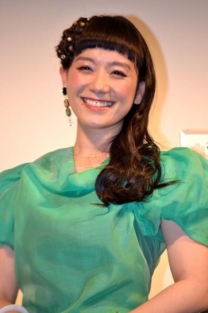篠原ともえ、海外ドラマ声優デビューで「声優界にもシノラー旋風を!」
