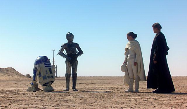 「スター・ウォーズ エピソード7」に砂漠の惑星タトゥイーンが登場