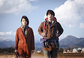「悼む人」主演の高良健吾と石田ゆり子「悼む人」