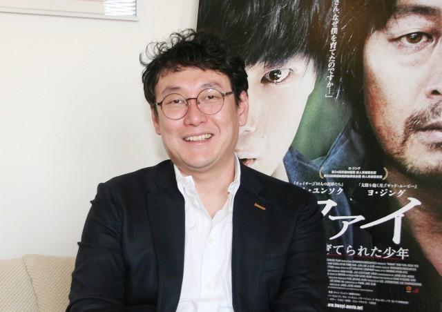チャン・ジュナン監督、キム・ユンソク&ヨ・ジング共演サスペンスで挑んだ不条理