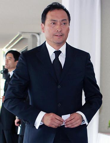 故蟹江敬三さんの「お別れの 会」に出席した俳優の渡辺謙