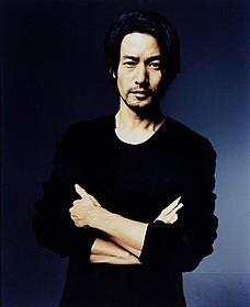 「at home」に主演する竹野内豊「太平洋の奇跡 フォックスと呼ばれた男」