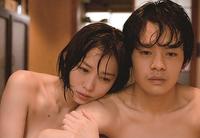 市川由衣&池松壮亮が濃密な男女の愛を体現する「海を感じる時」予告編を入手!
