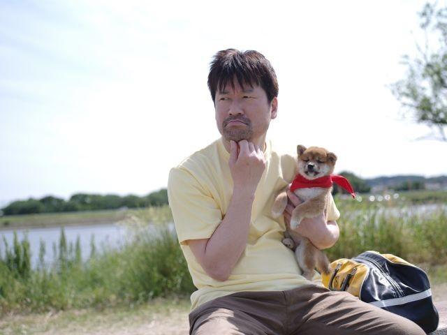 佐藤二朗が子犬と家出!「マメシバ一郎」が映画&ドラマで今夏復活