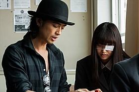 「なんだか映画監督はサッカーの監督と似ている」と語る斎藤工「honey」