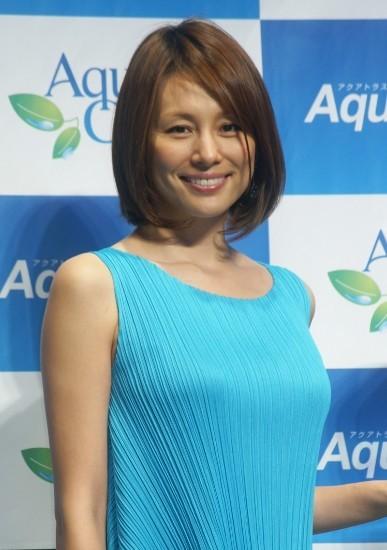 米倉涼子、新ウォーターサーバーでお湯飲んで美にさらに磨き