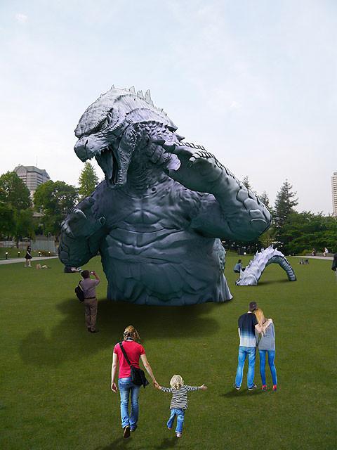 東京ミッドタウンに巨大ゴジラのオブジェが出現 夜はライトアップも