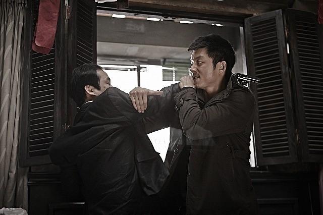 コン・ユが極限の肉体改造に挑んだアクション映画「サスペクト」予告公開
