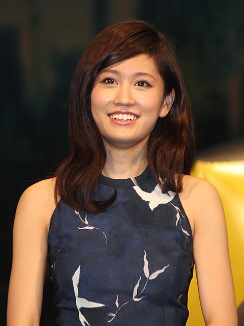 前田敦子、関ジャニ∞は「すごく仲がいい」 毒舌記者役で共演
