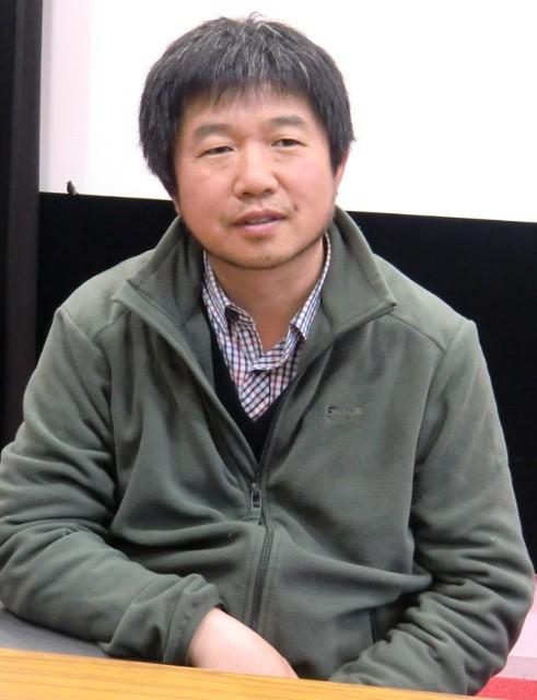 雲南の精神病院で鉄格子の中の愛を映す「収容病棟」ワン・ビン監督