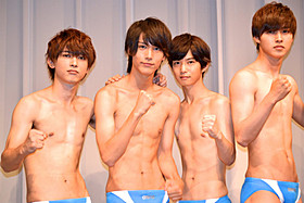 (左から)吉沢亮、中川大志、千葉雄大、山崎賢人