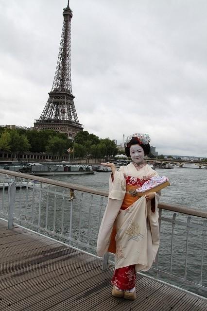 「舞妓はレディ」仏パリのファンに大ウケ、主演・上白石萌音が手ごたえ