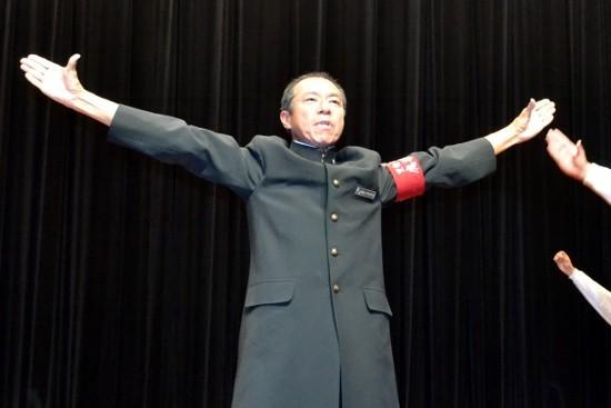 柳葉敏郎が学ランで絶叫フレ~!フレ~! しごかれ役は快感…
