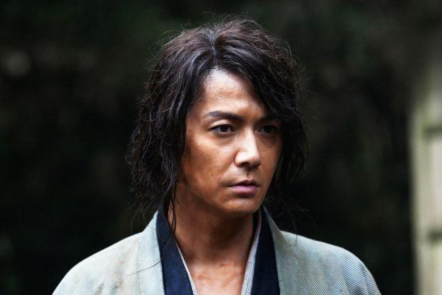 福山雅治、「るろ剣」続編で佐藤健と再共演!鍵をにぎる人物に