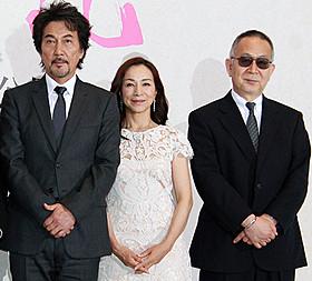 (左から)役所広司、原田美枝子、小泉堯史監督「蜩ノ記」
