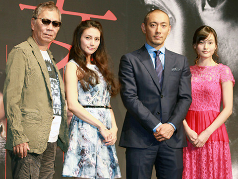 (左から)三池崇史監督、柴咲コウ、市川海老蔵、中西美帆